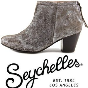 Anthropologie Seychelles Pewter ankle booties 8.5